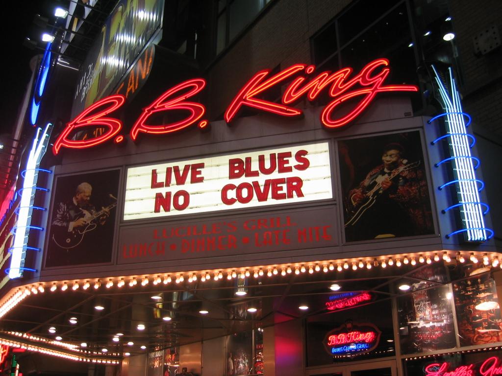 B_B_King_Blues_Club_NYC_2003